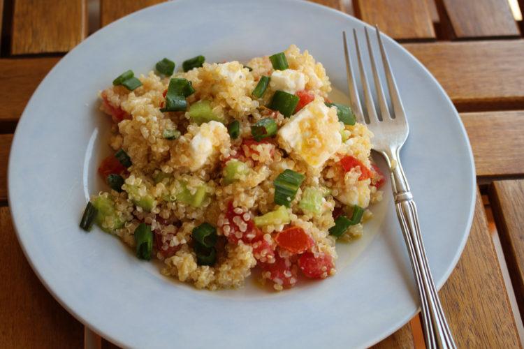 Χωριάτικη σαλάτα με κινόα